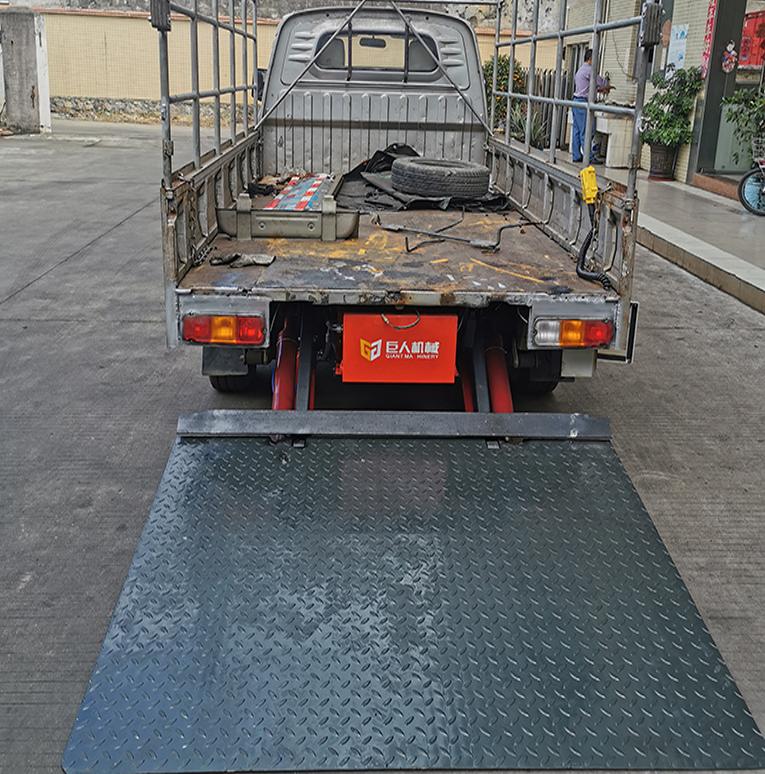 汽车尾板安装案例